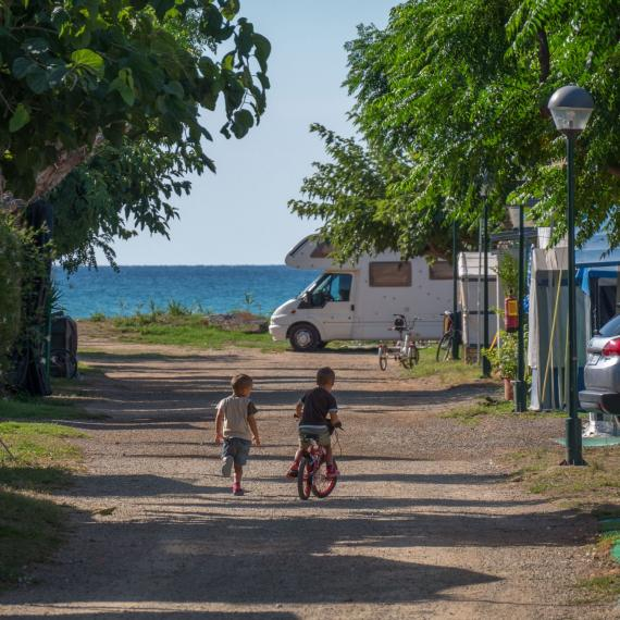 Salida a la playa Camping Playa y Fiesta Costa Dorada