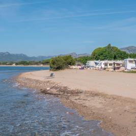 Beach in front of the Camping Playa y Fiesta Costa Dorada